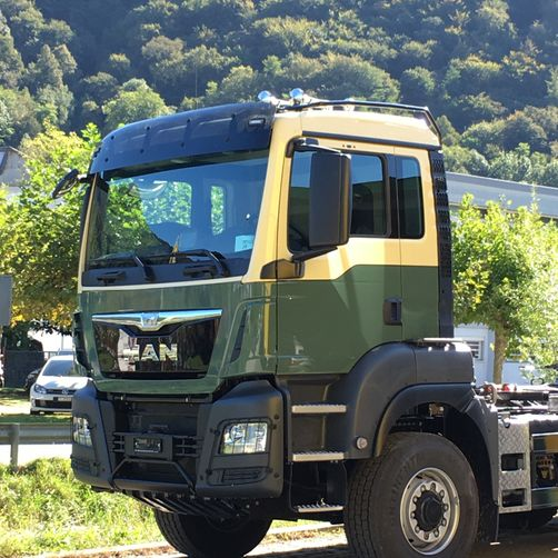 verniciatura Camion MAN - CR Speed-Car SA - Carrozzeria - Garage - Barbengo - Lugano