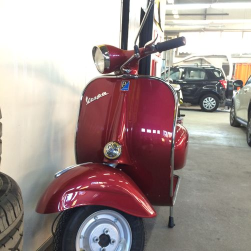 vespa riverniciata - CR Speed-Car SA - Carrozzeria - Garage - Barbengo - Lugano